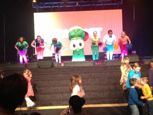 junior and kids dancing