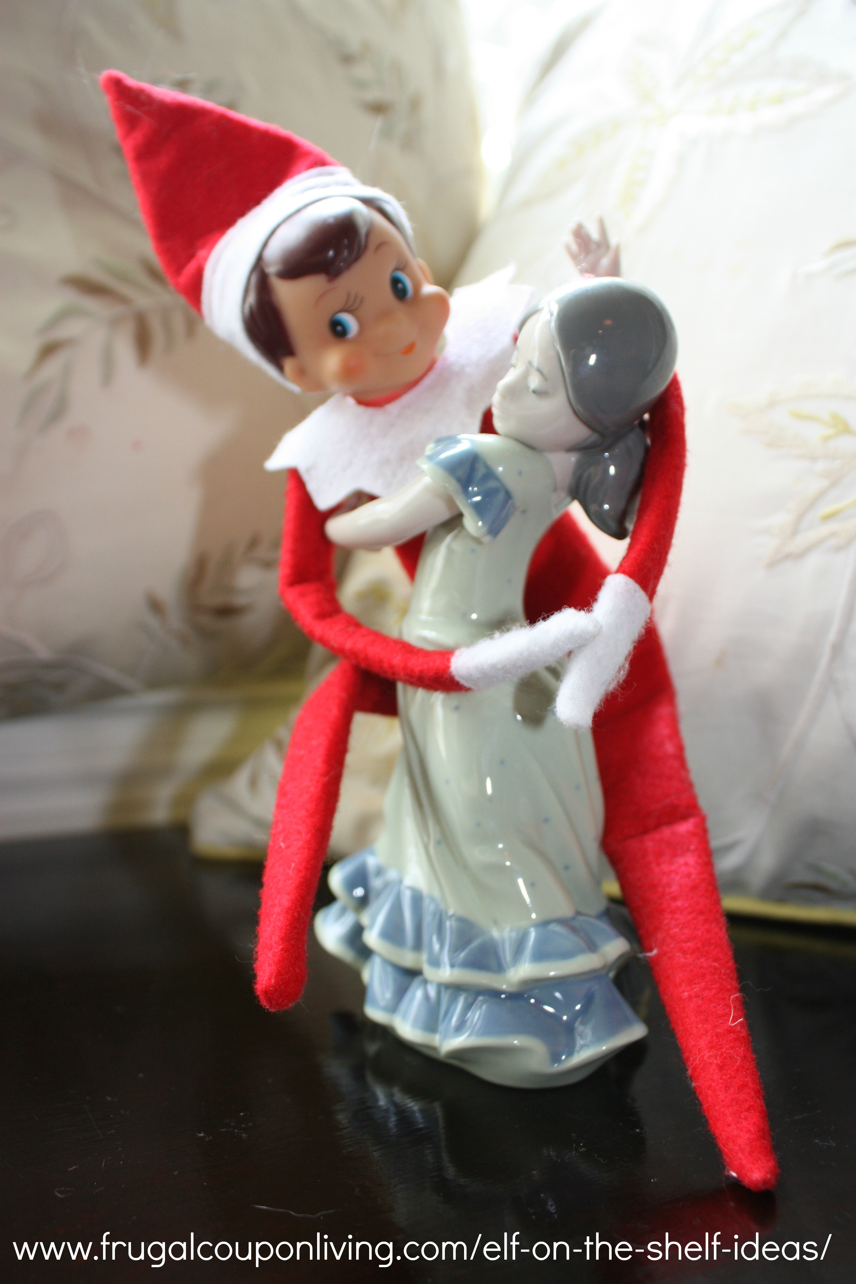 43 Awesome Elf On The Shelf Ideas To Steal This Christmas. Because 24 days is a long time to be clever.
