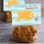 hooked-on-you-goldfish-valentine