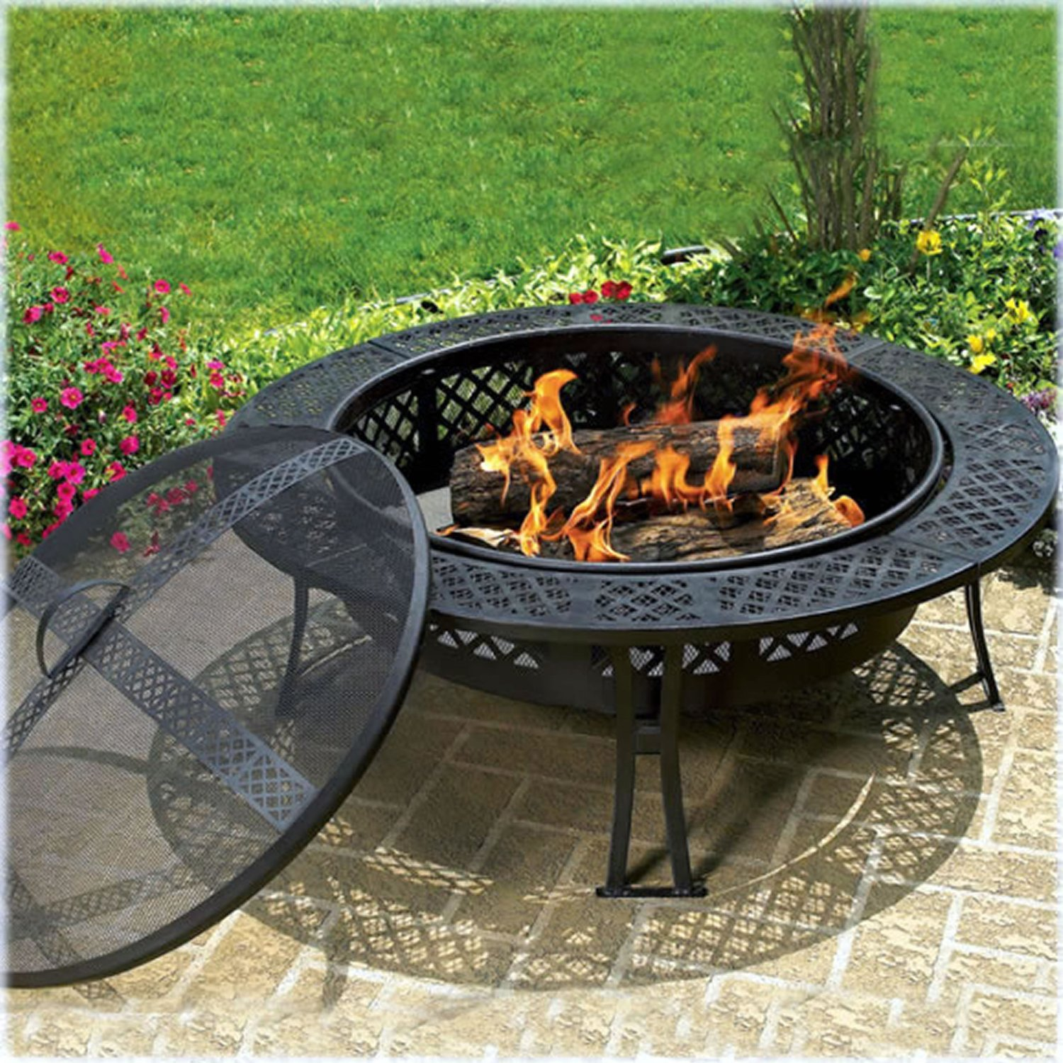 CobraCo Diamond Mesh Fire Pit with Screen and Cover