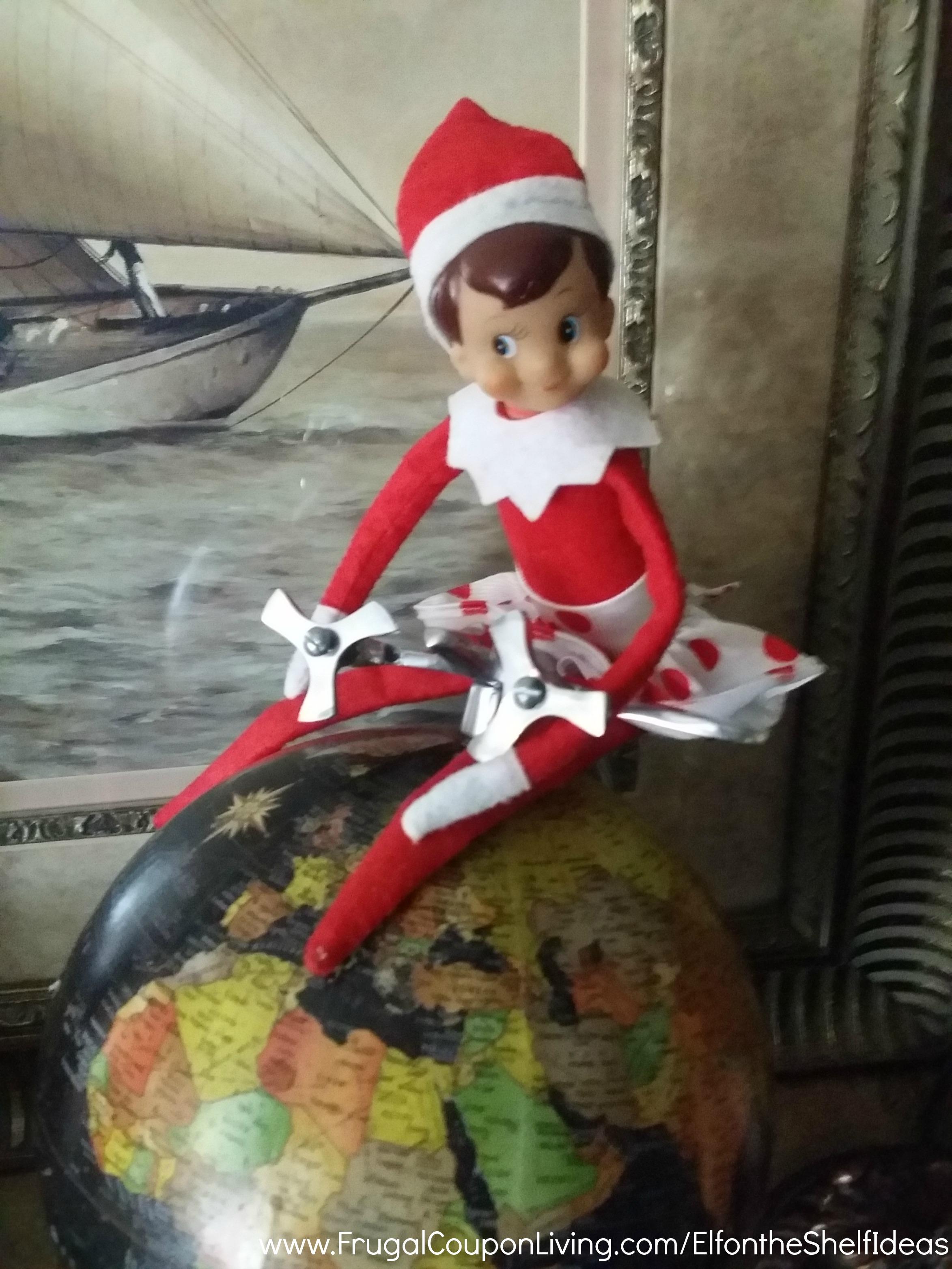 Easy The Elf on the Shelf Ideas - Love Makes the World Go Around