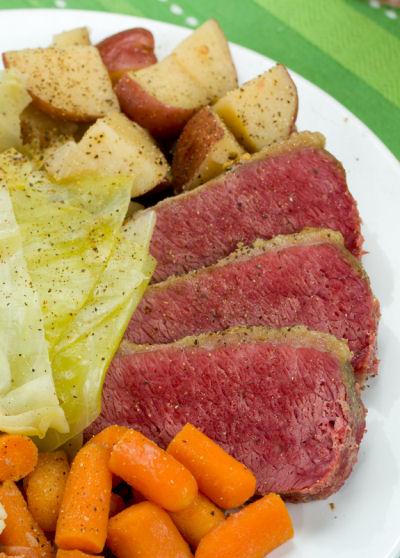 Corned Beef Cabbage with Carrots and Potatoes