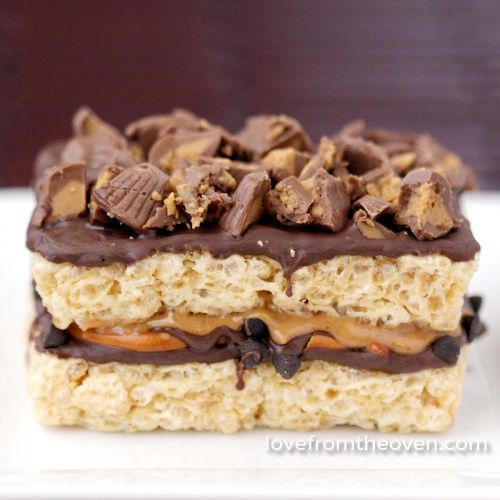 Peanut-Butter-And-Pretzel-Stuffed-Rice-Krispies-Treats-square