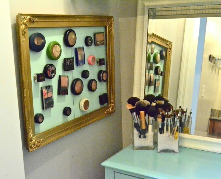 Magnetic-Makeup-Board-1024x719