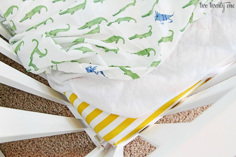 mattress-cover-and-sheet