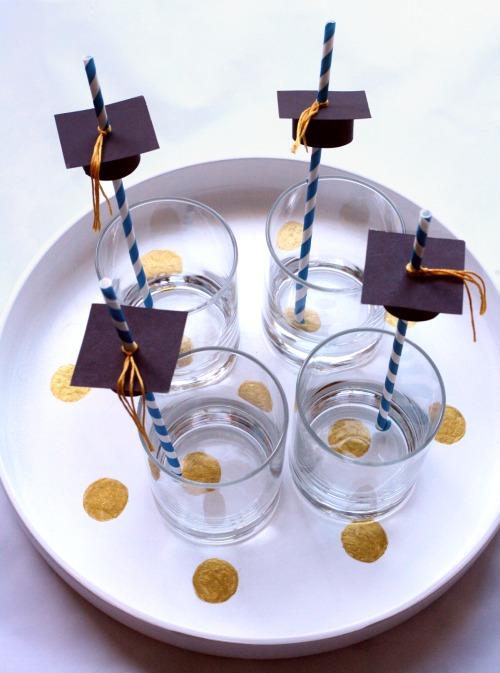 graduation-cap-straw-toppers