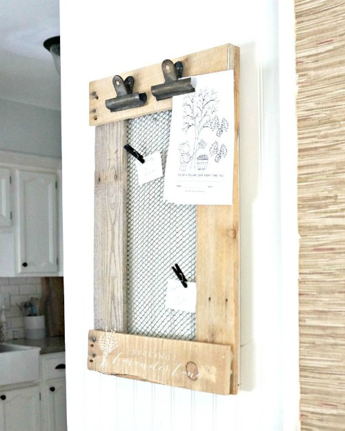 Farmhouse-DIY-Message-Board