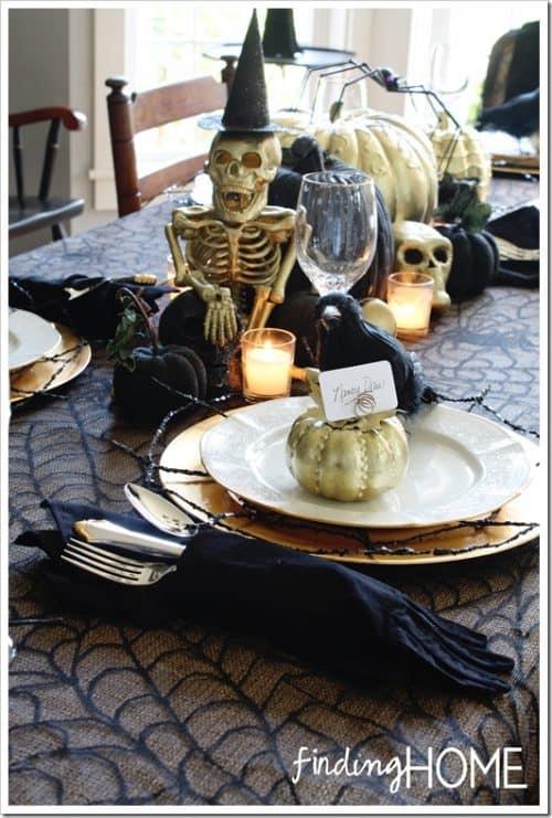 Elegant-spooky-finding-home
