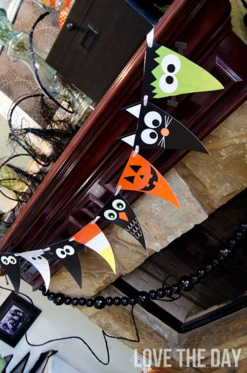 Halloween-Free-Printable-banner-character