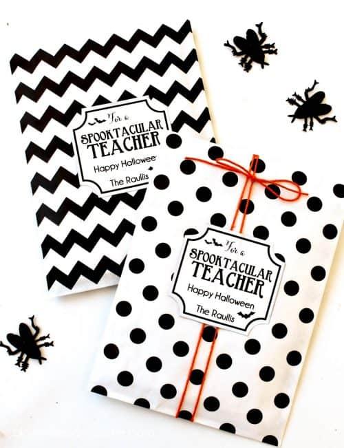 Spoktacular-Teacher-Gift-idea-free-prints-on-lilluna.com-
