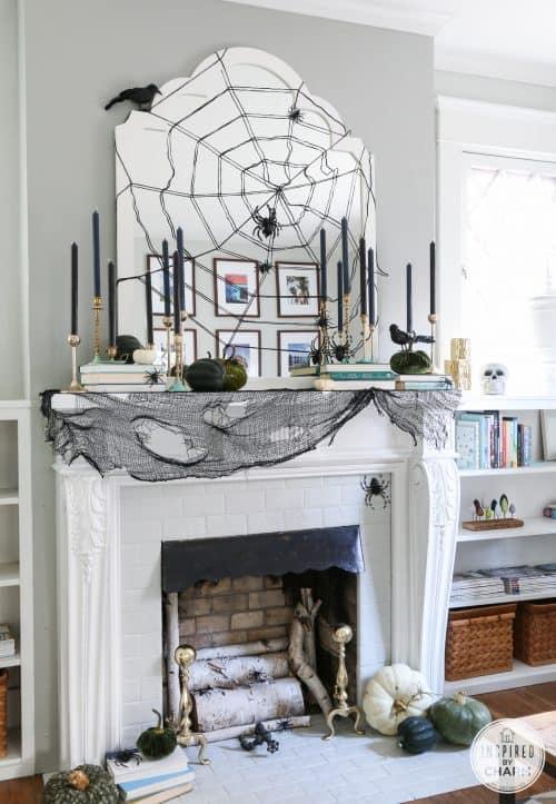 stylish-halloween-mantel-decor