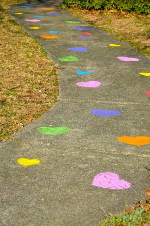 sidewalk-hearts