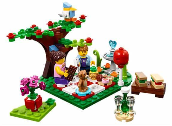 LEGO Romantic Valentine Picnic Set