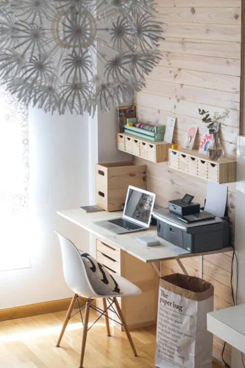 Shiplap Is So Por Why Not Add It To The Work E We Love This Farmhouse Inspired Office Hadas Y Cuscus