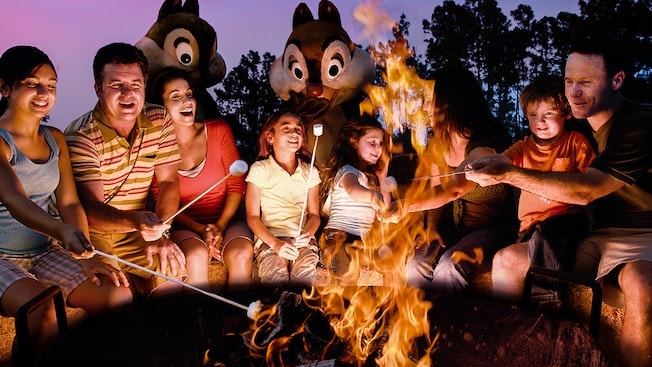chip-n-dale-campfire-sing-a-long- disney-world