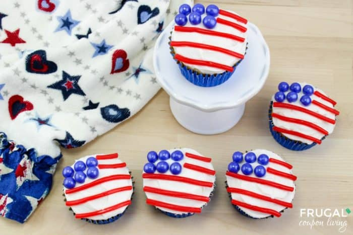 Red White and Blue American Flag Cakes