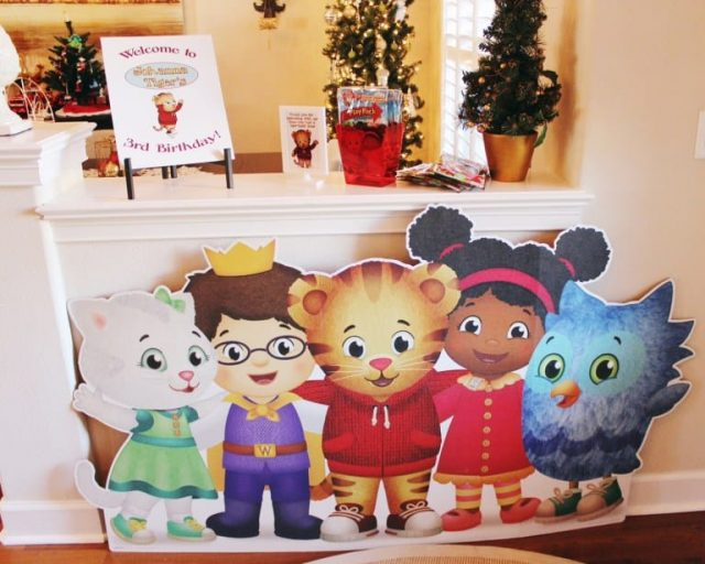 Daniel Tiger Friends Cutout Party Decor