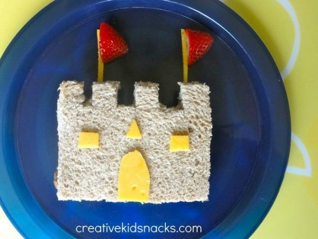 Daniel Tiger Castle Snack