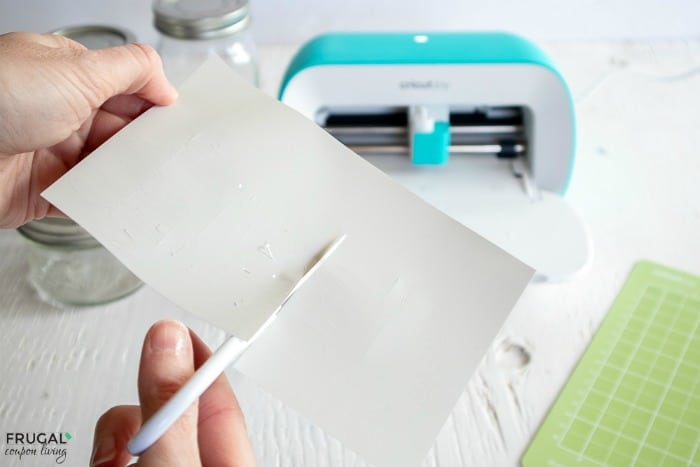 How to Cut Vinyl with Scissors and Cricut