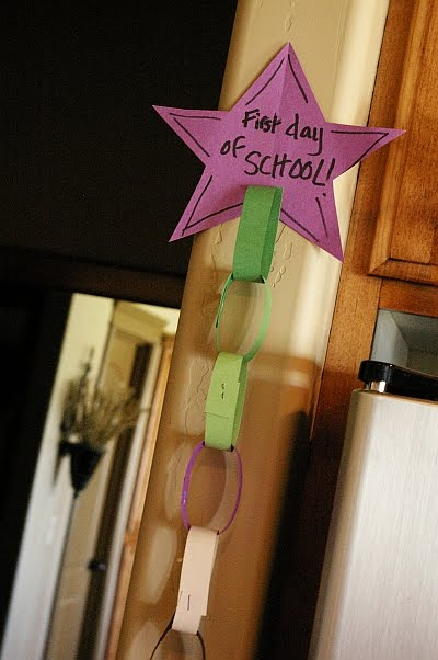 Back to School Paper Chain Craft for Kids