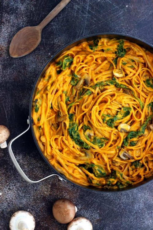 Healthy Pumpkin Pasta with Spinach and Mushrooms